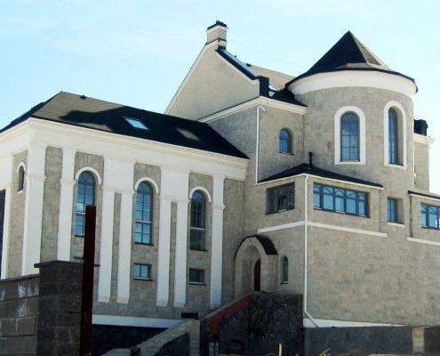 Дом из кирпича в С-Пб и Л.О. Порошкино