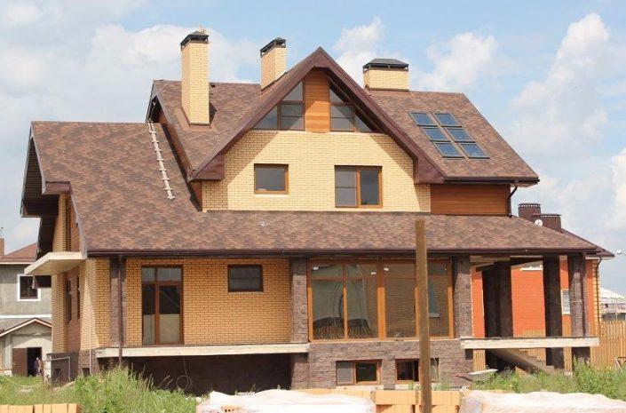 Загородный дом из кирпича. Цена за квадратный метр от 25 000 руб.